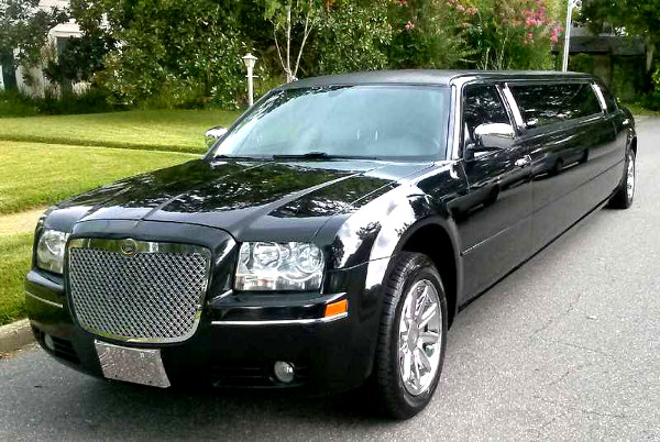 Tampa Florida Chrysler 300 Limo