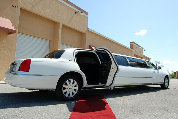 Tampa Lincoln Limos Rental